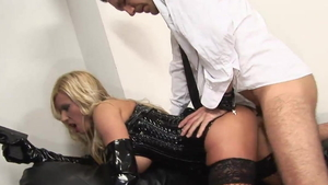 Alluring blonde hair feels in need of cum on face in HD