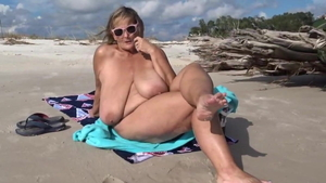 Huge boobs BBW Pussy fucked at the beach