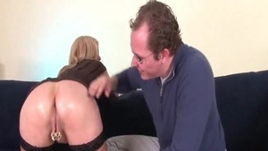 Hard slamming in the company of very sexy cougar