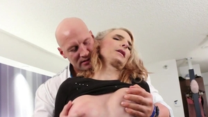 Super sexy shemale has a taste for rough nailing HD
