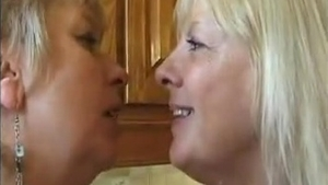 French MILF feels like rough nailing