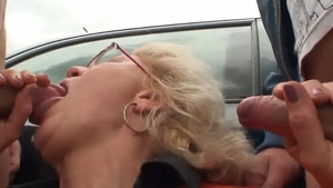 Teen chick threesome outdoors