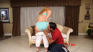 Booty pawg Tiffany Star feels the need for hard pounding
