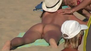 Big ass MILF voyeur pussy fuck at the beach