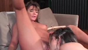 Young stepmom really enjoys the best sex