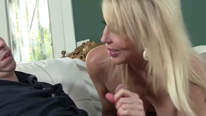 Cougar Erica Lauren craving the best sex in HD