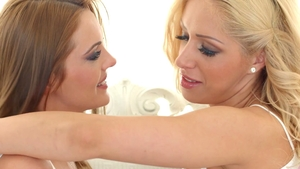 Dominica Fox in company with Melanie Gold fingering