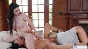 Amilia Onyx and India Summer in company with Reagan Foxx