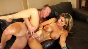 Busty Kristal Summers sucking cock