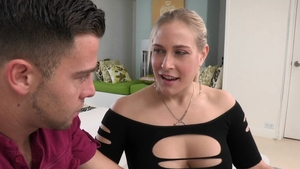 Hard pounding in the company of busty cougar