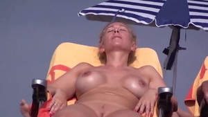 Huge boobs amateur pussy fuck at the beach