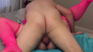Amateur goes in for orgasm HD